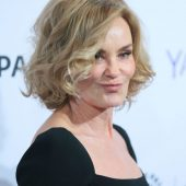 "Jessica Lange Would Return to ""American Horror Story"""