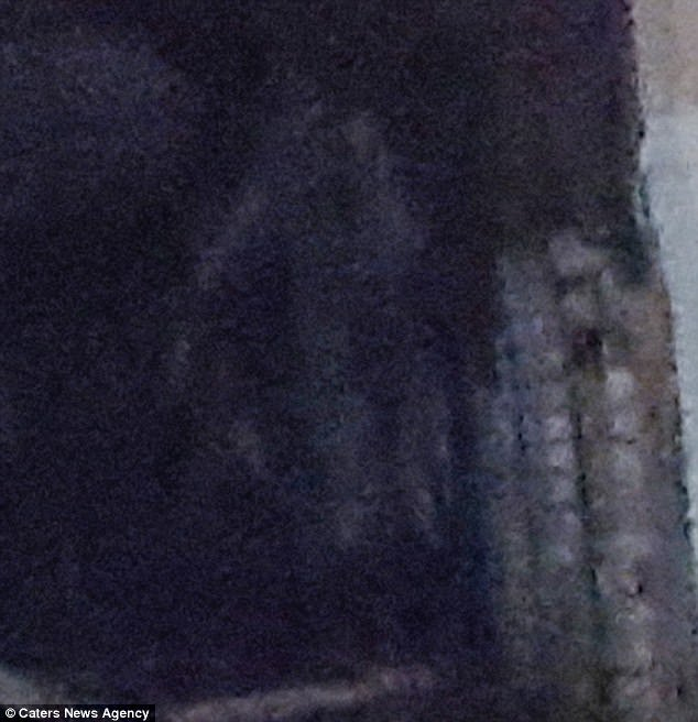 Woman Photographs Ghost In Abandoned Wales Asylum : THE